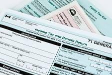 尽早报税好处多, 安省住户今年可获多达307元退税